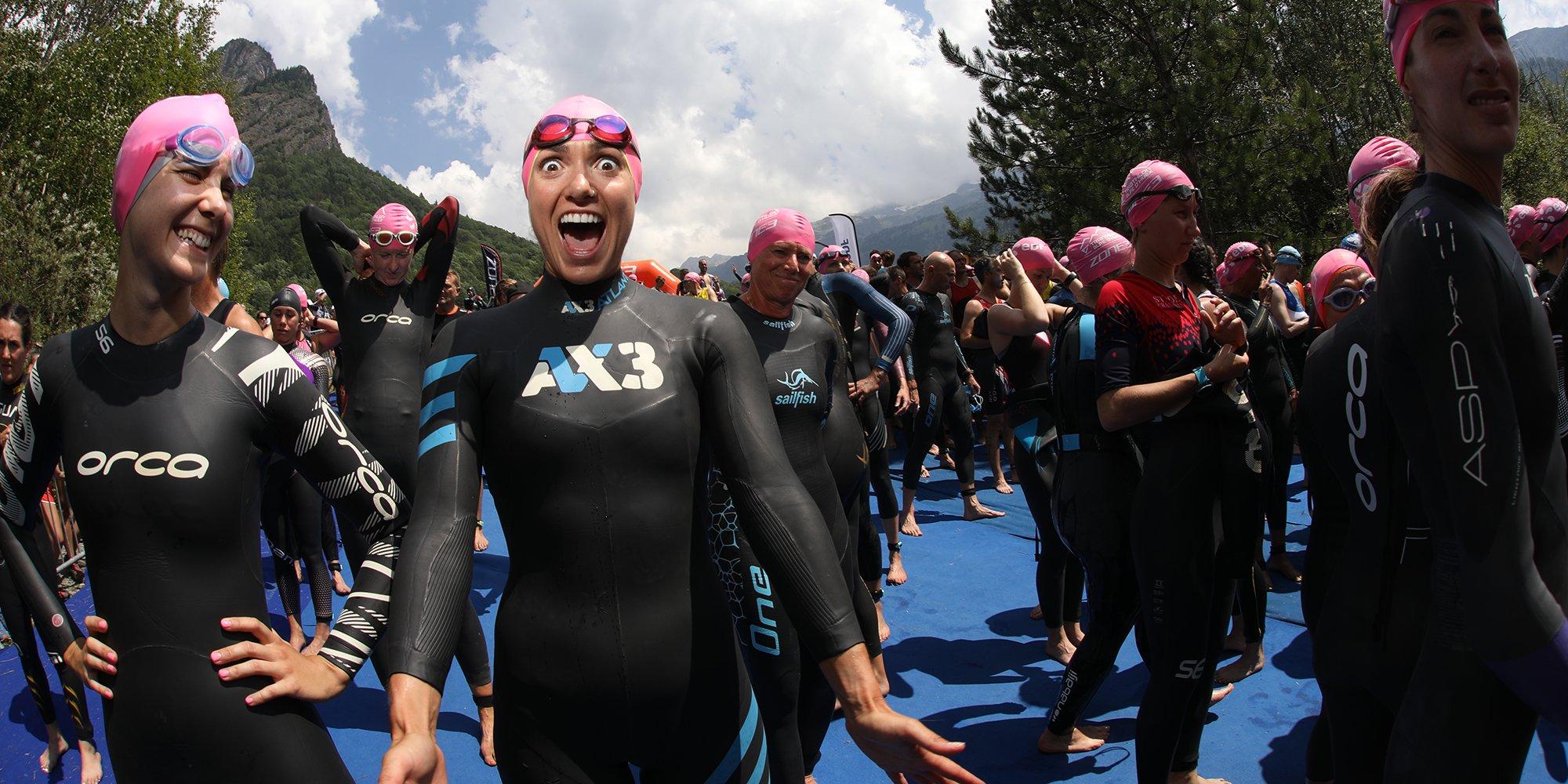Girls Alpe d'Huez triathlon natation
